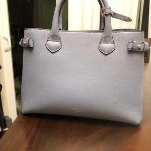 100% Authentic Burberry tote handbag ! !
